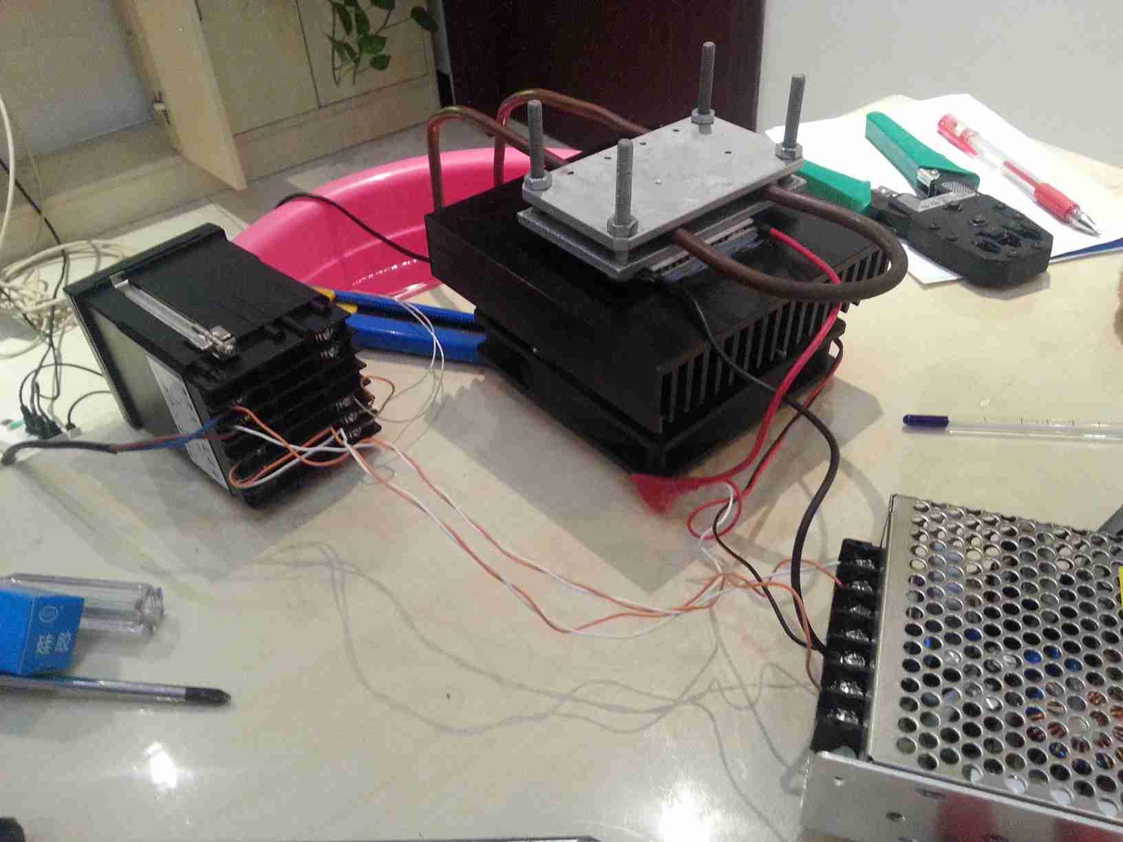 温控表头,制冷,电源输出等连接线路
